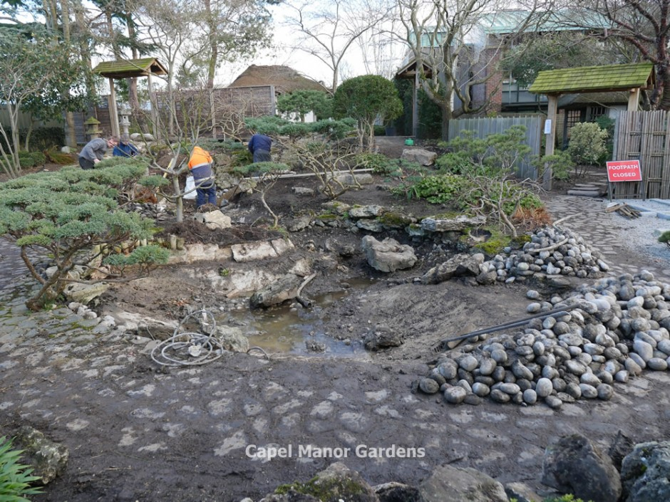 6 February 2015 - Work continues on the new water feature.